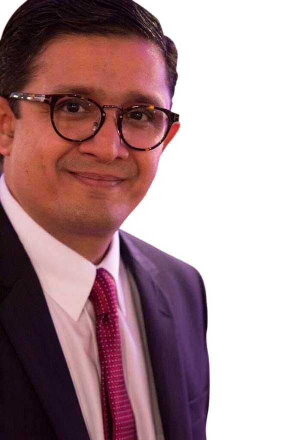 Dr Waqar Kashif